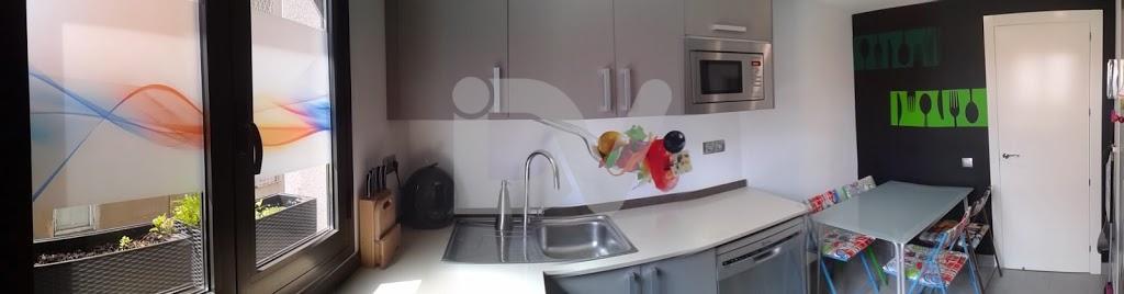 Decoración de una cocina con vinilos
