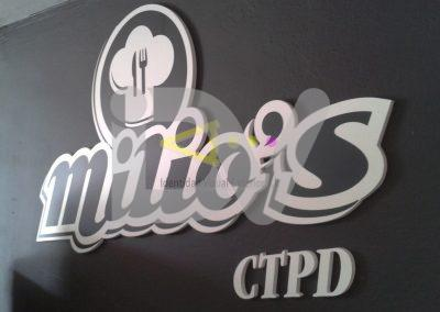 Logotipo pvc fresado