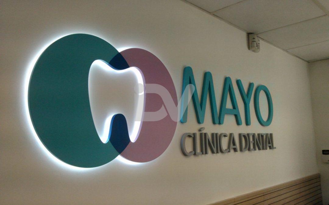 Logotipo con retroiluminación