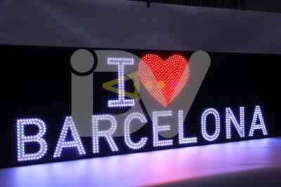 Rótulo Barcelona,fresado con leds de pixel formando el nombre.
