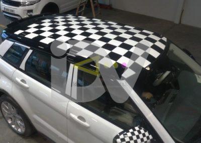 Decoración vehículo con vinilo.
