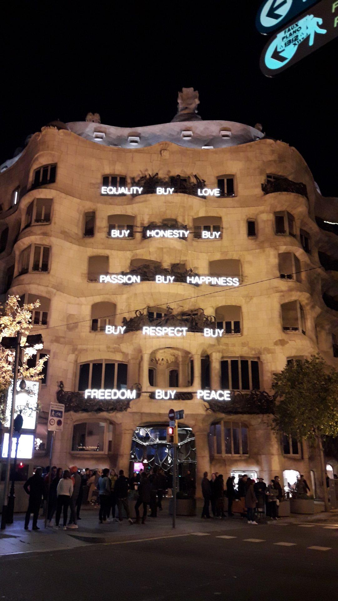 rótulo fachada edificio