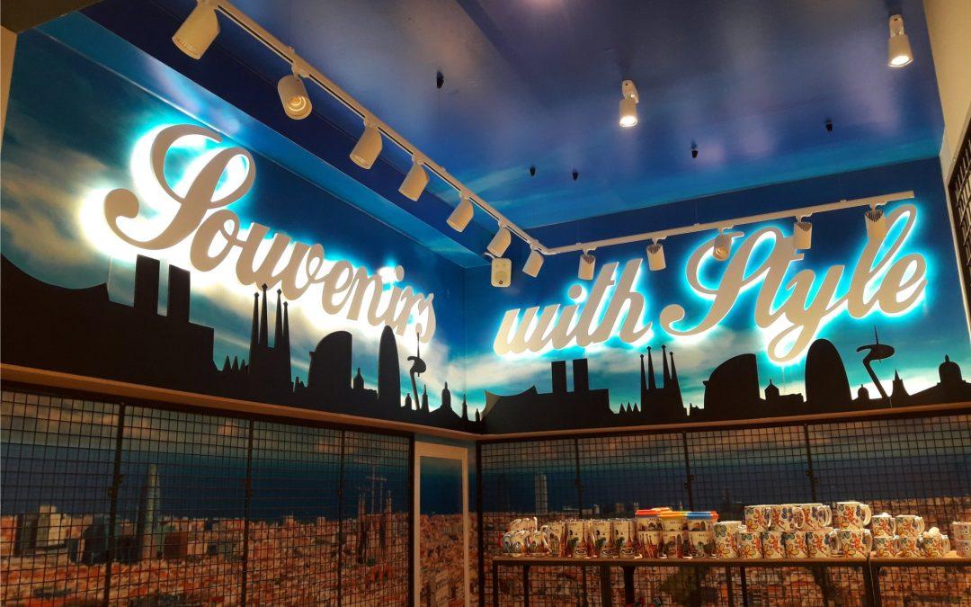 Decoración de paredes con letras iluminadas